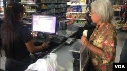 Seis de cada 10 empresas en Maracaibo pagan bonificaciones en dólares a sus trabajadores que no renuncien ni migren, reporta la Cámara de Comercio.