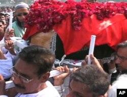 ڈاکٹر عمران فاروق کو کراچی میں دفن کیا گیا