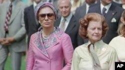 شهبانو فرح پهلوی در کنار «بتی فورد» همسر «جرالد فورد» سی و هشتمین رئیس جمهور آمریکا