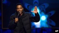 El actor cambió su monólogo de apertura tras la polémica sobre las nominaciones del Oscar.
