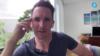 澳洲广播公司前驻华记者比尔·博图斯通过Skype接受美国之音专访