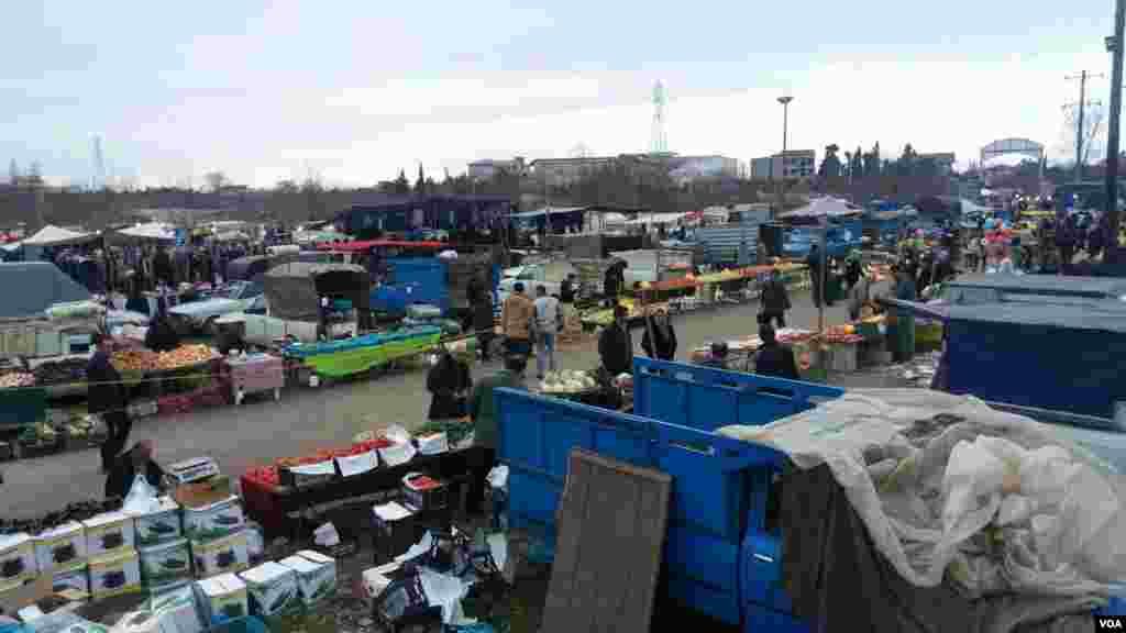بازار هفتگی روستای میان دوج محله شیرود- مازندران عکس: بهزاد یوسفی (ارسالی شما)