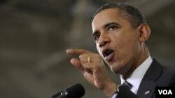 El presidente Barack Obama utiliza Twitter y Facebook para presionar al Congreso para que extienda la reducción de impuestos de nómina.