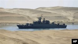 The Iranian navy frigate IS Alvand passes through the Suez Canal at Ismailia, Egypt, February 22, 2011