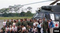 Miembros del equipo de rescate de los cinco secuestrados por las FARC.
