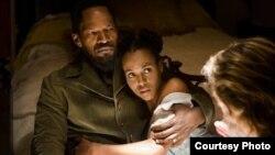 Керри Вашингтон и Джейми Фокс на съемках фильма «Джанго освобожденный» Courtesy The Weinstein Company
