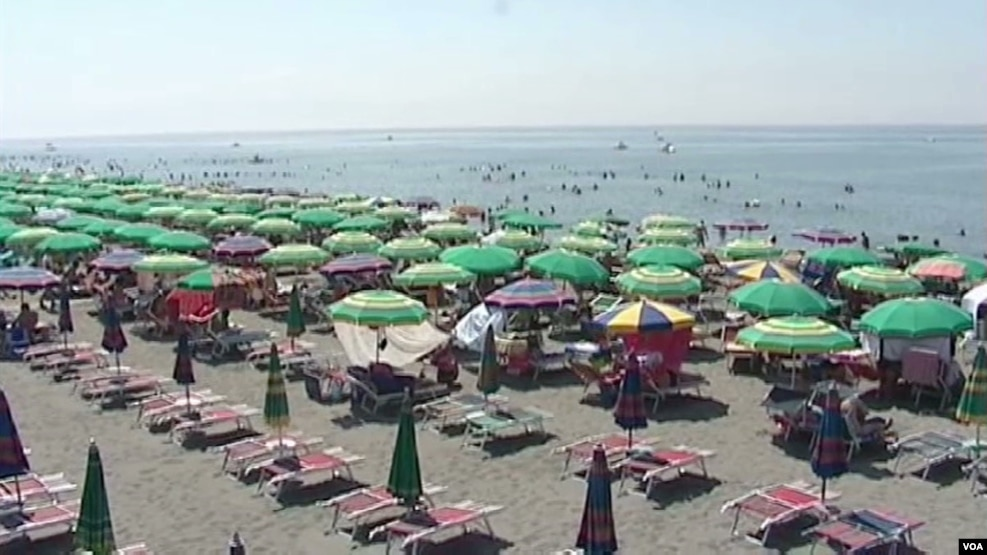 Plazhi i Velipojës, çdo ditë 100 mijë pushues