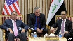 El presidente de la Cámara de Representantes de EE.UU., John Boehner (izquierda) reunido con Salim al-Jabouri (derecha) presidente del Parlamento iraquí, en Bagdad, el lunes, 30 de marzo.