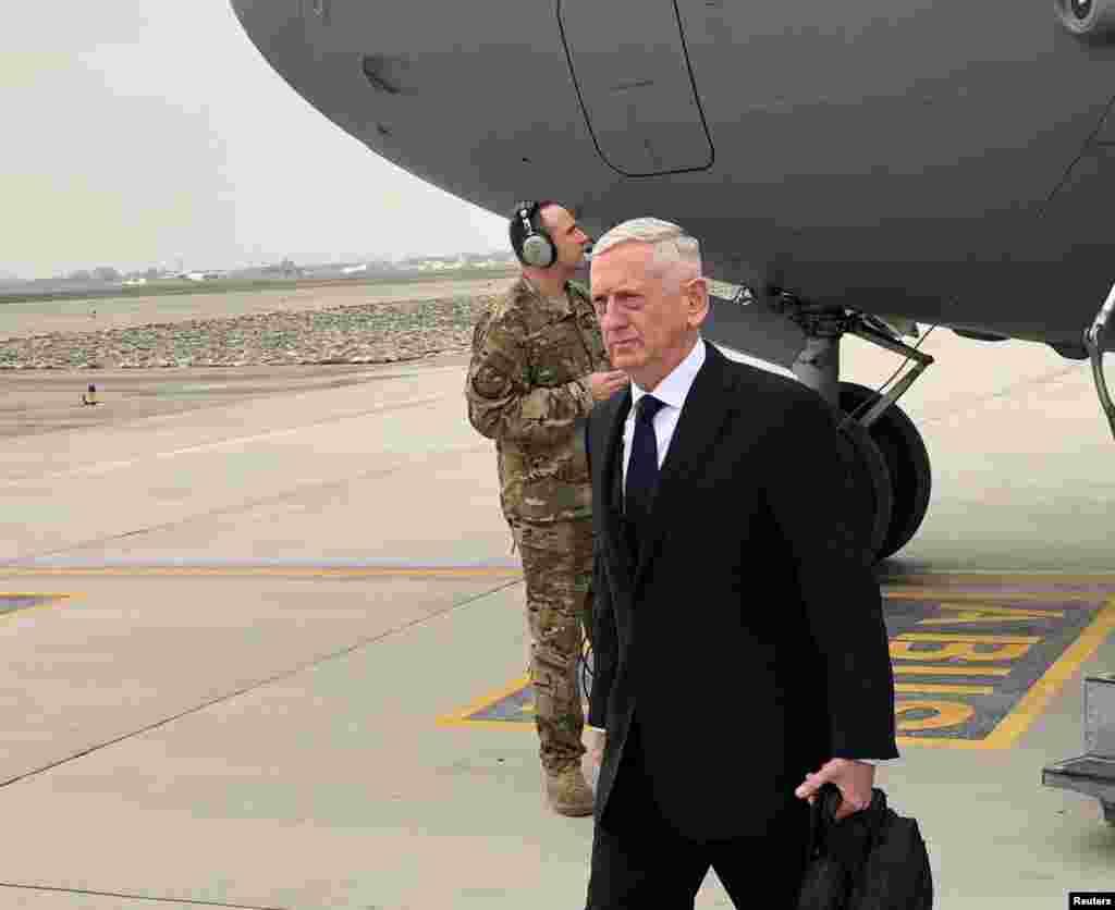 جیم متیس، وزیر دفاع آمریکا روز سه شنبه و در سفری از پیش اعلام نشده وارد کابل پایتخت افغانستان شد.