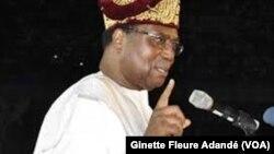 Nicephore Soglo, ancien président du Bénin, à une séance d'explication sur la France-Afrique, le 31 mai 2015. (VOA/Ginette Fleure Adandé)