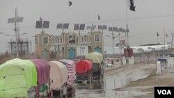 پاکستاني سوداګر وايي کله چې د طورخم دروازه تړلې وه، د ورځې درې میلیونه روپۍ یې تاوان کاوه