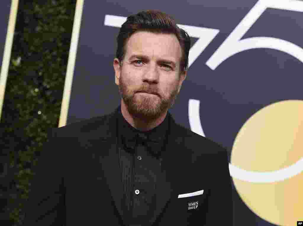 «ایوان مکگروگر» بازیگر «فارگو» توانست در حضور رابرت دنیرو جایزه بهترین بازیگر مرد نقش مکمل در سریال را کسب کند.