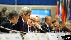 克里國務卿星期四在歐安組織會議上發表演說
