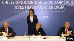 """Bachelet dio sus declaraciones tras participar del seminario """"Oportunidades de Comercio e Inversiones"""" en Lisboa, Portugal."""