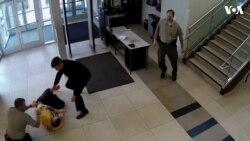 美国一男子为逃庭纵身跳下阳台摔成重伤