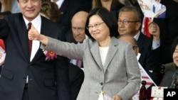 台湾总统蔡英文在台北参加国庆庆祝活动。 (2018年10月10日)
