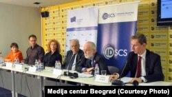 Učesnici skupa koji je organzovala Mreža Evropskog pokreta u Srbiji (Foto: Medija centar Beograd)