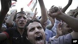 21일 이집트 카이로의 타흐리르 광장에 모인 반군부 시위대.