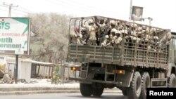 지난 5월 나이지리아 정부군 차량이 보르노 주 마이두구리 시를 지나고 있다. (자료사진)