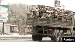 Pasukan Nigeria dalam operasi melawan militan Boko Haram di Maiduguri (foto: dok).
