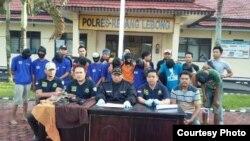 Konferensi pers Kapolres PUT Rejang Lebong tentang pemerkosaan dan pembunuhan YY. (Foto: Polsek PUT Rejang Lebong Bengkulu)