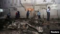 L'hotel Maka al Mukurama à Mogadiscio en Somalie après l'attentat du 8 novembre 2013 (Reuters/Feisal Omar).