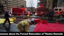 Petugas pemadam kebakaran bertugas di Washington DC, AS (foto: dok). Suara sirene mobil pemadam kebakaran dinilai menjadi penyebab hilangnya pendengaran.