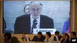 Chủ tịch Paulo Sergio Pinheiro cung cấp báo cáo của Ủy ban điều tra nhân quyền độc lập về Syria trước Hội đồng Nhân quyền Liên Hiệp Quốc ở Geneva, Thụy Sĩ, ngày 17/9/2012