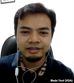 Ilham Nurwansah, penutur bahasa Sunda. (Foto: Made Yoni/VOA)