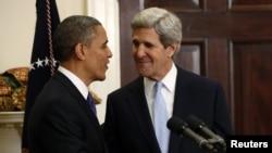 바락 오바마 미국 대통령(왼쪽)과 존 케리 국무장관 지명자. (자료사진)