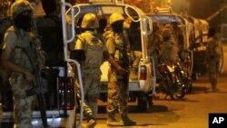 در نتیجه درگیری دیروز میان پولیس و معترضان در شهر کراچی پاکستان ۱ تن کشته و ۸ تن دیگر زخمی شدند