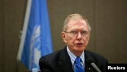유엔 북한인권 조사위원회(COI) 마이클 커비 위원장이 지난달 27일 서울 한국프레스센터에서 열린 기자회견에서 발언하고 있다.