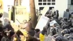 乌克兰警察与抗议者再爆冲突