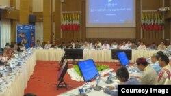 """( ၁၄ ) ႀကိမ္ေျမာက္ UPDJC """" ျပည္ေထာင္စုၿငိမ္းခ်မ္းေရး ေဆြးေႏြးမႈ့ပူးတဲြေကာ္မတီ"""" အစည္းအေဝး (Hla Maung Shwe)"""