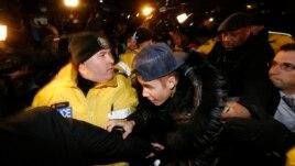 Akuza ndaj këngëtarit Bieber në Kanada