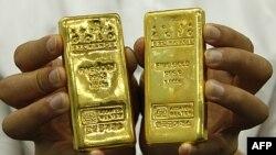Cảnh sát Việt Nam bắt một thanh niên buôn lậu 10 kilô vàng