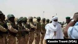 En images : le Premier ministre malien en visite dans le Nord-Est