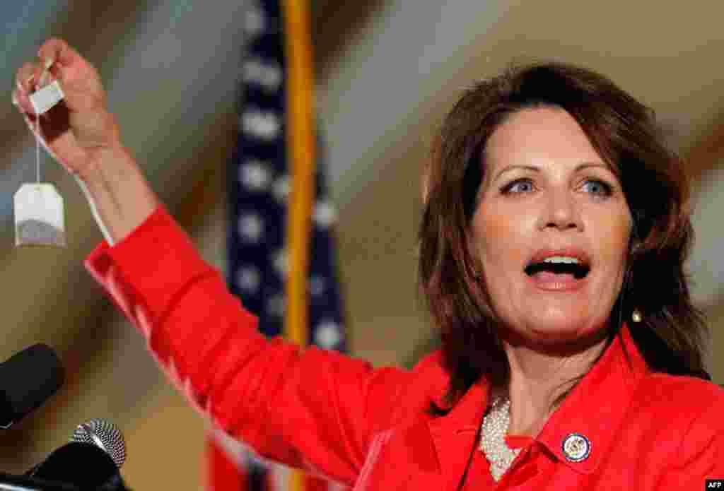 Michele Bachmann. Dân biểu của Minnesota, có tài động viên đám đông và rất được lòng những người Tin lành Phúc âm và những người thuộc phong trào Tea Party bảo thủ.
