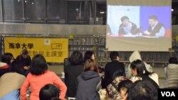 香港電影《十年》其中一個社區放映地點:立法會示威區。(美國之音湯惠芸攝)