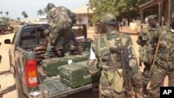 Armas alegadamente utilizadas na tentativa de golpe de 26 de Dezembro, em Bissau (Arquivo)