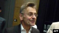 Михаил Барышников после спектакля в Лос-Анджелесе
