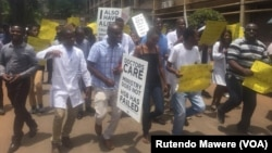 FILE: Zimbabwean doctors staging protest at Parirenyatwa Hospital.