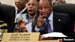 Le président Guinéen Alpha Condé participe à l'ouverture du sommet sur l'Afrique et le changement climatique à Marrakech, Maroc, le 16 novembre 2016.