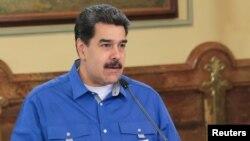 니콜라스 마두로 베네수엘라 대통령이 15일 베네수엘라 카라카스 미라플로레스 궁에서 열린 내각회의에서 연설하고 있다.