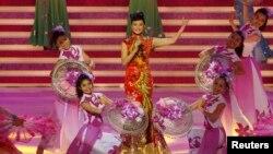 Ảnh minh họa: Nữ ca sĩ Trung Quốc Tống Tổ Anh biểu diễn tại Hồng Kông.