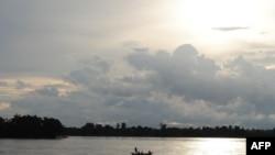 Khúc sông Mekong ở Sambor, Kampuchea, một trong các địa điểm được hoạch định xây đập thủy điện