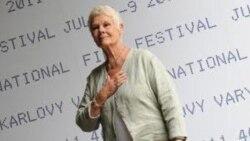 تقدیر از جودی دنچ بازیگر بریتانیایی در جشنواره فیلم کارلو ویواری