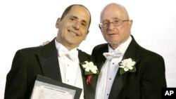 Сол Баглиэри и Питер Циринкион в день бракосочетания