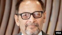 اعجازخټک وايي که پاکستان د یمن جګړې ته پوځ واستوي له ایران سره به هم اړیکې خرابې شي او پر سیمې به هم منفي تاثیرات وکړي.