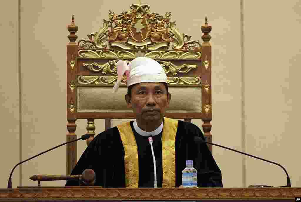 缅甸下议院议长隋曼2012年4月23日在首都内比都出席下议院会议。